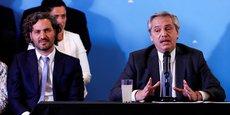 Le président Alberto Fernandez (à dr.) souhaite décourager la dollarisation de l'économie.