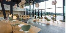 Regus, spécialisée dans les espaces flexibles, propose des bureaux partout.