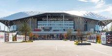 Pensée autour du Groupama Stadium, l'OL Vallée comprend un hôtel, un pôle médicale, deux immeubles de bureaux et pôle de loisirs de 23 250 m2, avec l'ambition de créer une zone de flux pour correspondre avec le stade, selon Jean-Michel Aulas.