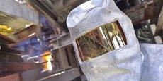 Un opérateur de la filiale Inertam spécialisée dans l'inertage des déchets d'amiante.
