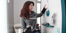 Hygia Pulse permet au patient de se peser, prendre sa température, son pouls, ou encore sa tension.