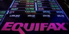 Le 26 septembre 2017, le cours de Bourse d'Equifax s'effondre et l'entreprise annonce la démission de son Pdg après le gigantesque cyberpiratage.