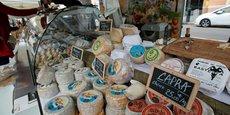 Étal d'un marchand de fromages corses sur le marché d'Ajaccio (photo prise le 6 février 2018).