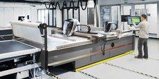 Leader mondial sur son marché, Lectra n'a jamais cessé de concevoir et produire ses systèmes de découpe de matériaux souples haut de gamme en France.