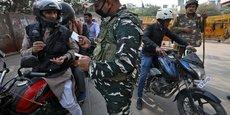 PLUS DE 600 ARRESTATIONS À NEW DELHI DANS DES VIOLENCES INTERRELIGIEUSES