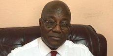 Le Dr Pierre Alaka Alaka est économiste et fiscaliste camerounais.