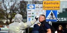 Contrôle à la frontière entre l'Allemagne et la Pologne. La Pologne a été l'un des premiers pays à fermer ses frontières. Le Premier ministre Mateusz Morawiecki, ayant été interrogé par Ursula von den Leyen sur les raisons de cette fermeture, a répondu: « J'ai la responsabilité de la santé et de la sécurité des Polonais ».