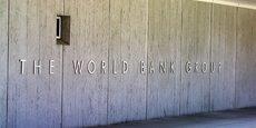 En juillet 2017, la Banque mondiale a levé 320 millions de dollars sur les marchés via des pandemic bonds. Cet instrument financier, qui fonctionne comme une assurance pour venir en aide aux pays les plus pauvres en cas d'épidémie, est très critiqué.