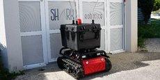 La PME rochelaise Shark Robotics a adapté son robot Rhyno Protect pour lui permettre de décontaminer 20.000 m2 de locaux en trois heures.