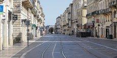 Cours de l'Intendance à Bordeaux, comme dans le reste du pays, la quasi-totalité des commerces sont fermés depuis le 16 mars.