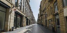 Les commerce en tête des secteurs aidés : la rue comerçante Sainte-Catherine à Bordeaux s'est totalement vidée.