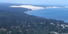 La dune du Pilat attire chaque année près de deux millions de touristes.