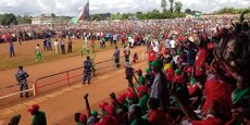 Des militants du CNL qui auraient été interdis ce lundi 27 avril par les autorités provincial de Kayanza de se rendre à Ngozi (nord) dans le cadre de la campagne présidentielle.   Le CNL a débuté ce lundi 27 avril la campagne présidentielle au stade Muremera  à Ngozi, dans le nord du Burundi.