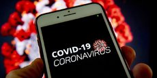 L'application mobile StopCovid vise à identifier les chaînes de transmission du virus en retraçant l'historique des relations sociales grâce à la technologie du Bluetooth.