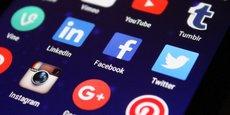 En temps normal comme en situation de crise, les réseaux sociaux sont devenus l'outil le plus utilisé par les entreprises pour communiquer.
