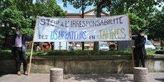 En petit nombre, les commerçants de Toulouse ont manifesté contre un retour des Gilets Jaunes dans le centre-ville, samedi 16 mai.
