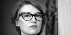 Raphaële Bidault-Waddington est fondatrice du LIID Future Lab. Ce dernier coordonne des laboratoires de recherche artistique et prospective dans l'art, l'image, la littérature, les cultural studies, l'architecture, l'urbanisme, le développement durable, l'économie, les humanités digitales, l'intelligence artificielle, la post-vérité.