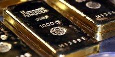 Les prix de l'or sont moins influencés par les fondamentaux du marché physique -production, consommation, stocks- que par ses contraintes financières, valeur du dollar et taux d'intérêt réel (TIR).