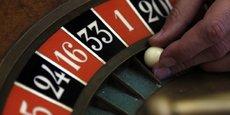 Comme toutes les valeurs du CAC 40, Partouche plongeait ce matin à la Bourse de Paris. Avec la fermeture des casinos liée à l'épidémie, le chiffre d'affaires du groupe a chuté de moitié au deuxième trimestre.