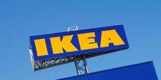 Ikea par exemple: Nous avons dû fermer tous nos magasins hier matin, à part celui de Vélizy (au sud-ouest de Paris) et l'atelier de conception de Nice, qui ne sont pas concernés par la limitation de 20.000 m2, explique une porte-parole du groupe à l'AFP, confirmant une information du magazine spécialisé LSA.