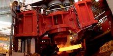Aubert & Duval se positionne comme un métallurgiste spécialiste des matériaux métalliques les plus exigeants - aciers à hautes performances, superalliages, titane et aluminium - destinés à des applications industrielles de pointe, notamment dans les secteurs de l'aéronautique et du spatial, de l'énergie et de la défense.