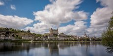 Le château de Saumur a été classé Monument historique en 1862. Au cœur du Val de Loire, classé en 2000 « Patrimoine mondial de l'humanité », il est situé sur la route historique de la Vallée des Rois,