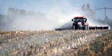 Lors de l'annonce de cette aide, en mai 2020, le ministère de l'Agriculture avait souligné qu'elle s'inscrivait en cohérence avec le nouveau dispositif mis en œuvre au 1er janvier 2020 pour renforcer la protection des riverains lors de l'utilisation des produits phytosanitaires: les zones de non traitement (ZNT) aux pesticides.