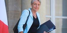 Les propos d'Élisabeth Borne font écho à ceux du Premier ministre Jean Castex qui avait appelé le 8 septembre à travailler sur les salaires, notamment sur ce qu'on appelle les minima de branche, a fortiori lorsque ceux-ci sont inférieurs au Smic.