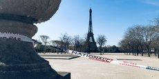 Paris et ses lieux emblématiques désertés pour cause de confinement.