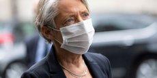 La ministre du Travail Élisabeth Borne continue de recommander le télétravail, « chaque fois que c'est possible dans les zones de circulation active du virus ».