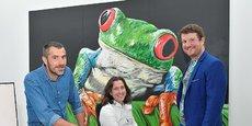 Jean-Luc Treillou, Kevin Alessandri et Maxime Feyeux lors de l'inauguration, hier jeudi, au côté de leur animal totem (c'est-à-dire frère) : la rainette (treefrog).