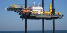 Souvent utilisé pour planter des éoliennes offshore dans le fond marin, Jill, qui dispose de pieux de 102 mètres de long, se livre à des activités de raccordement élecrique en Aquitaine.