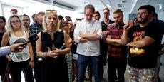 Le 24 juillet dernier, à Budapest (Hongrie), Veronika Munk, la rédactrice en chef adjointe du principal site d'information indépendant hongrois Index s'adresse aux journalistes qui viennent de démissionner à la suite de la récente éviction du rédacteur en chef Szabolcs Dull.