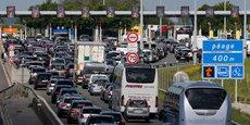Photo d'illustration: sur l'autoroute Paris-Bruxelles, file d'attente à la station de péage de Thun-l'Évêque, près de Cambrai, le 17 mai 2015.