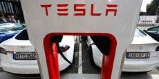 Malgré un marché automobile en berne en raison de la crise sanitaire, les investissements dans les batteries électriques se multiplient.
