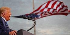 Le président américain Donald Trump prend la parole lors d'un rassemblement électoral à l'aéroport Cecil de Jacksonville, en Floride, le jeudi 24 septembre 2020.