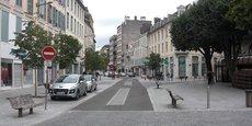 La ville de Pau, dont le maire est François Bayrou, est la grande gagnante régionale avec 70 emplois transférés.