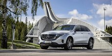 Cet imposant SUV ne ressemble à aucun autre modèle Mercedes mais ne verse pas pour autant dans la rupture franche de style.