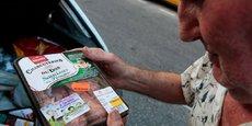 Aux dates de péremption est imputable 30% du gaspillage de nourriture par les ménages français, selon Too Good To Go.