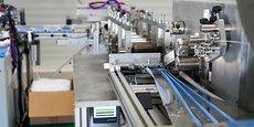 La machine conçue par 7Tech est capable de fabriquer 5 000 masques chirurgicaux à l'heure.