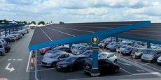 Urbasolar installe une centrale solaire géante sur les parkings visiteurs de Disneyland Paris.