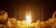 Ce mardi 24 novembre 2020, le lanceur Longue-Marche 5 avec à son bord la sonde lunaire Chang'e-5, décolle du centre de lancement spatial de Wenchang, dans la province de Hainan, en Chine.