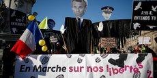 Plusieurs milliers de personnes manifestent samedi en France contre un article controversé de la proposition de loi sécurité globale, et plus largement contre les violences policères après deux affaires récentes où l'attitude des forces de l'ordre a fait polémique.