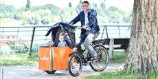 6.000 vélos cargos et triporteurs auraient été vendus l'an dernier en France contre 38.000 en Allemagne, où le marché enregistre une croissance de 40% à 45% par an.