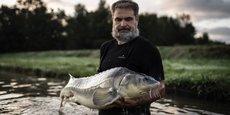 Un esturgeon de la pisciculture Sturia (groupe Kaviar)