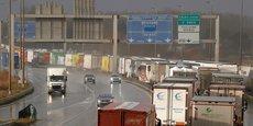 De longues files de poids-lourds se sont formées mercredi dernier autour de Calais, un effet pré-Brexit dû à l'anticipation de la sortie de la Grande-Bretagne de l'Union Européenne.