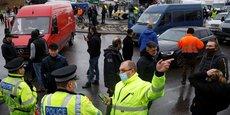Quelque 5.000 poids lourds sont toujours bloqués ce mercredi dans le Kent, autour de la zone portuaire, en Angleterre.