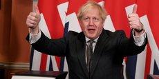Ce n'est pas la fin mais le début d'une merveilleuse relation entre le Royaume-Uni et nos amis et partenaires de l'Union européenne, a assuré le Premier ministre Boris Johnson, grand artisan de cette sortie, après avoir paraphé le document, levant les deux pouces en l'air devant les objectifs.