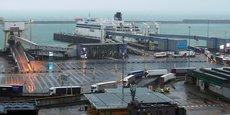 La signature in extremis d'un accord de libre-échange avec l'UE permet d'éviter des quotas et droits de douanes qui auraient risqué de créer le chaos à la frontière et notamment à Douvres, principal port transmanche côté anglais.