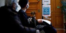 CORONAVIRUS: PLUS DE 18.000 CAS PAR JOUR EN MOYENNE, PLUS DE 2.800 PATIENTS EN RÉANIMATION
